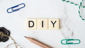 Easily Build Decorative Shelves Using Basic Tools